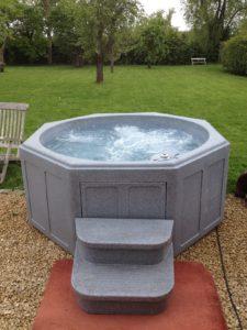 Glossop Hot Tub Hire